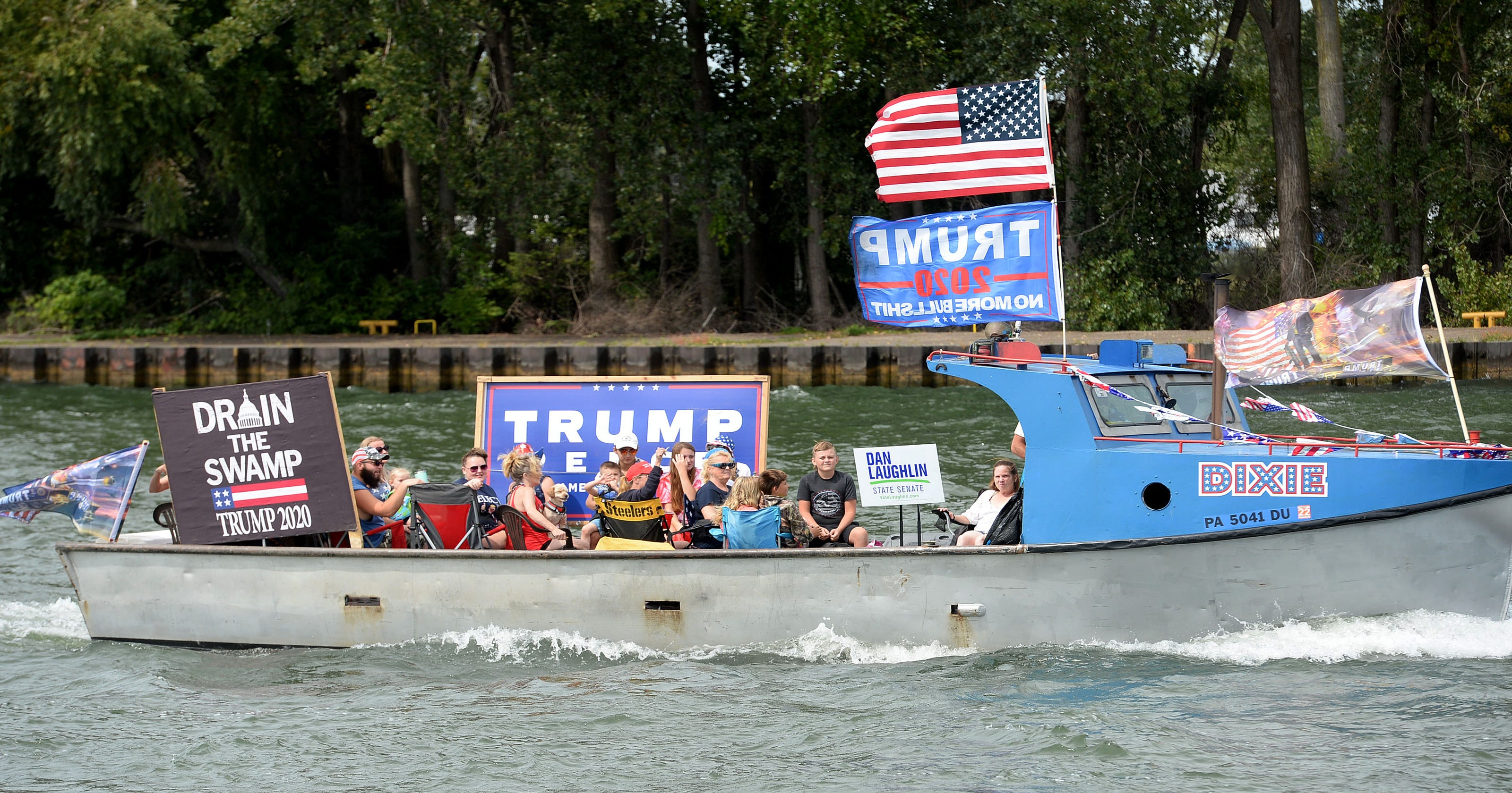 Donald Trump boat parade draws hundreds in Pennsylvania: 'We are the majority and we're going to make some noise' – USA TODAY