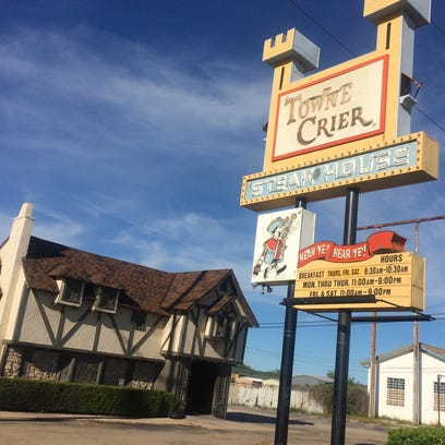 Towne Crier to reopen under new management