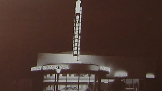 Stewart Motor Co.  is shown  at Central Avenue and McKinley Street in the 1940s. The site later housed Circles Discs and Tapes. Phoenix Historic Preservation Office Stewart Motor Co. on Central Avenue,  circa 1947. After the car dealership closed, the building housed a Circles Discs and Tapes until 2010. Now an apartment building is proposed for the site.