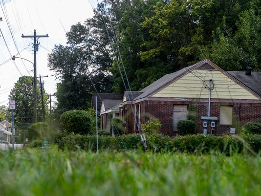 636692575105865261-hpt-abandoned-home-whitehall-02.JPG