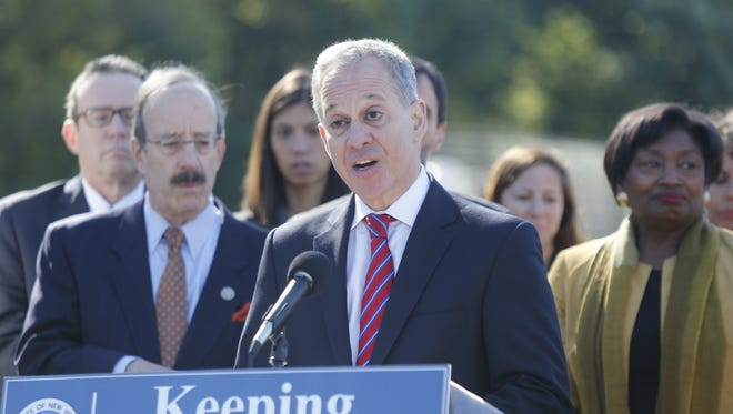 New York Attorney General Eric Schneiderman has been accused by four women of nonconsenual physical abuse, according to the New Yorker.