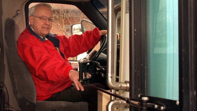Bill Richards in 1984 founded what became a countywide transportation service for the elderly and people with disabilities. Richards died Wednesday at 89.