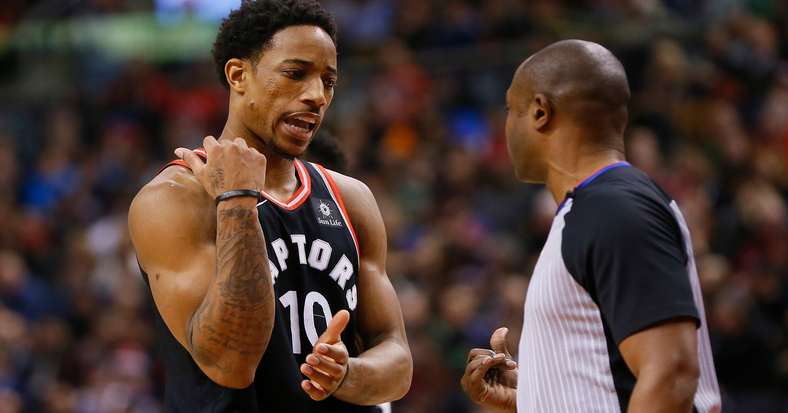 87d92ac24a4 Raptors angry with officials after controversial Warriors finish