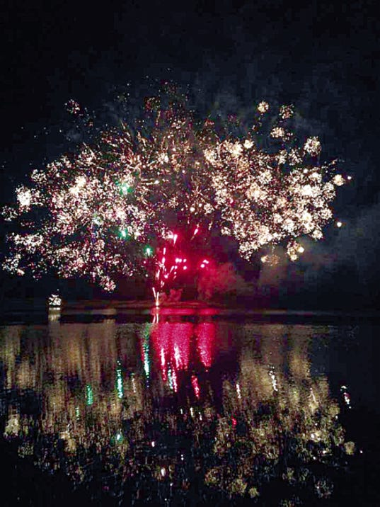 Spectacular fireworks will light up the mountains, sky and lake at the End of Summer Bash Sunday in Mescalero at the Inn of the Mountain Gods.