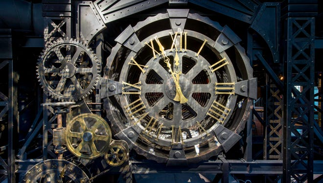 Steampunk style, which is all the rage, informs the design. A large clockwork, complete with gears and cogs, greets visitors at the entrance.