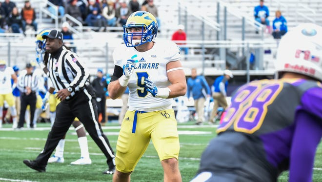 Delaware's Troy Reeder readies himself for a defensive play in the Hens' 33-17 win over Albany on Saturday.