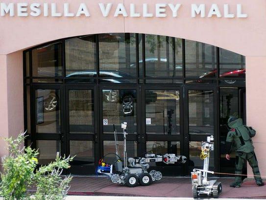 Doñ–a Ana County Sheriff's bomb squad utilizes robots