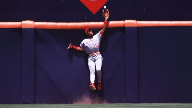 This isn't the 1990 NLCS catch, but another great catch by Glenn Braggs.