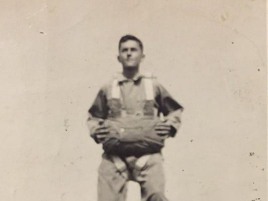 Russ paratrooper