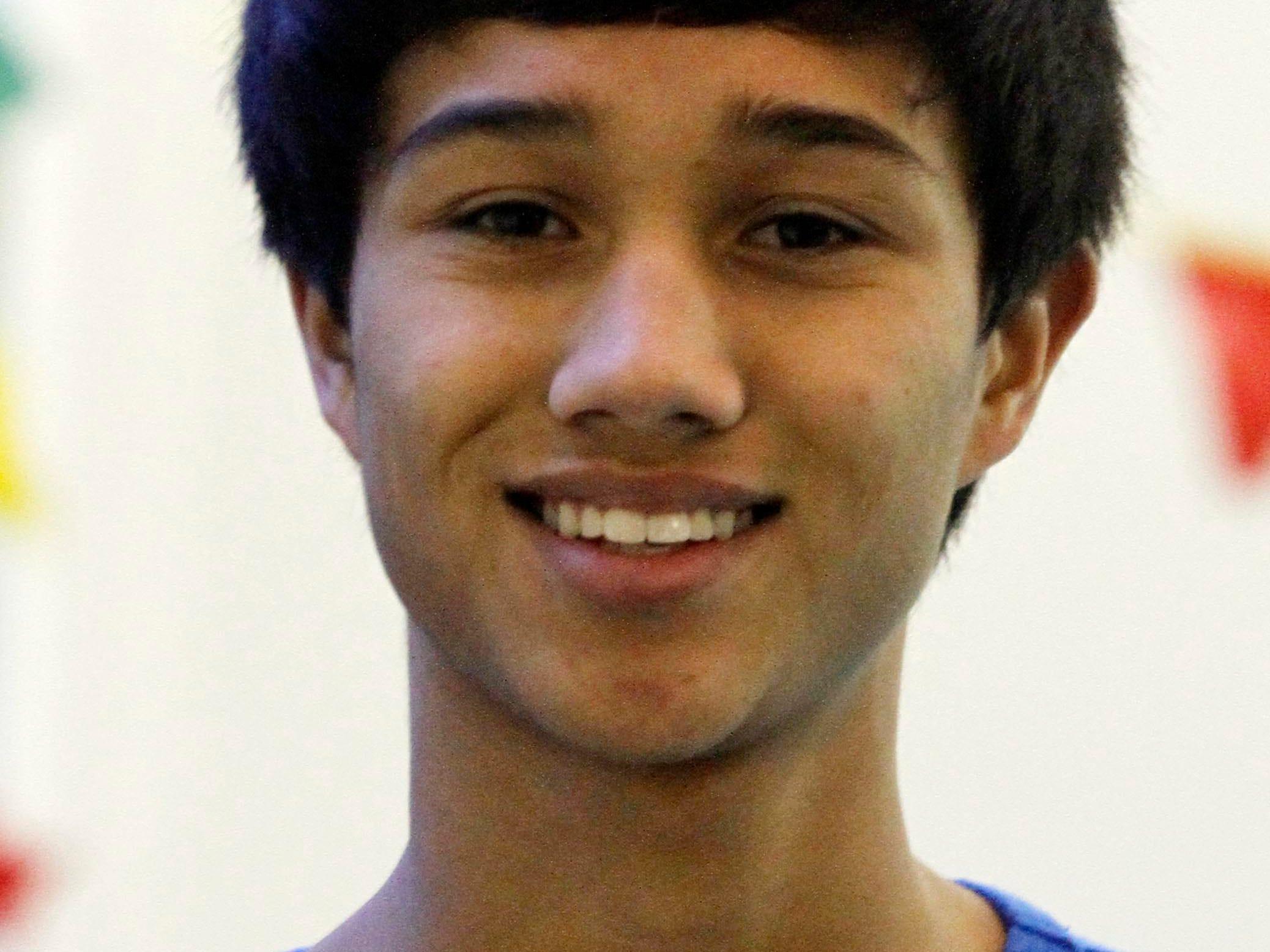 Salem Academy sophomore Jonah Leutwyler during swim practice Friday Dec. 20, 2013.