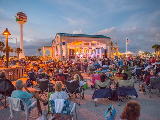 Bands on the Beach attracts thousands to the Gulfside