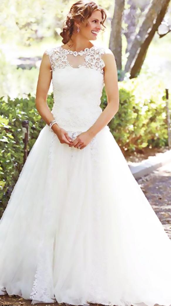 Beckett in wedding dress