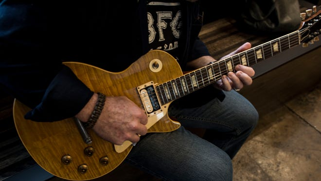 Musician Chris Grova demos a rare 1959 Gibson Les Paul Sunburst.