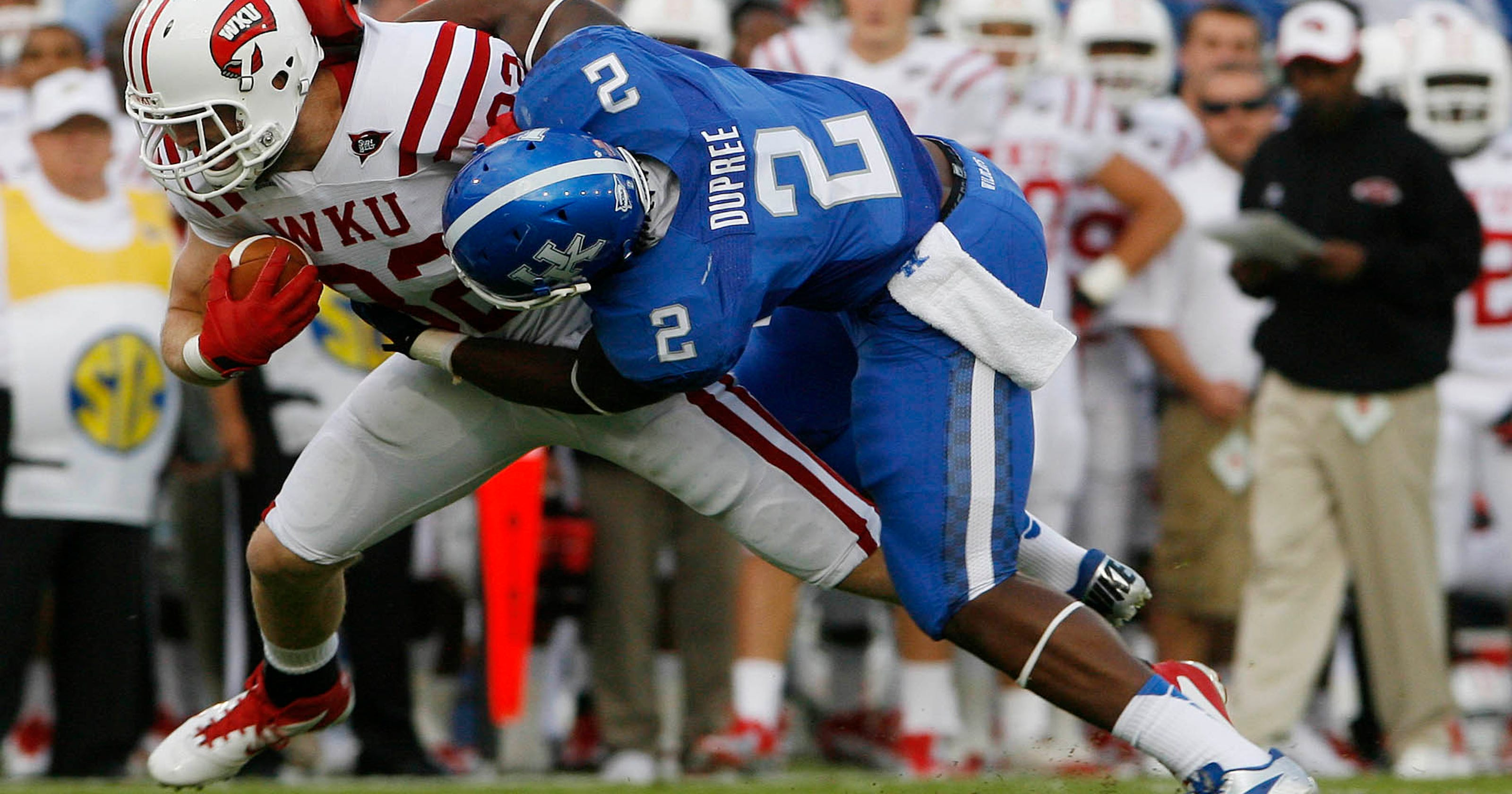 uk availability 9f569 89bf3 Kentucky's Dupree grows into 'savage' role on defense