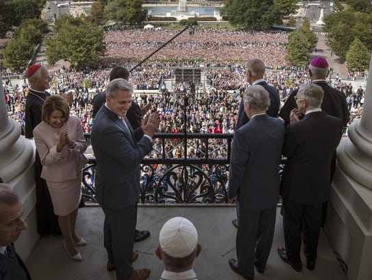 Pope Francis arrives with House and Senate leadership