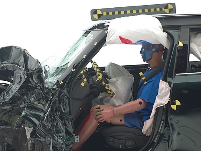 The Mini Cooper Countryman was the only small car to earn the top rating on the Insurance Institute for Highway Safety's small overlap front crash test.