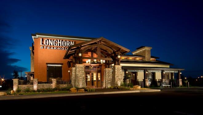 A LongHorn Steakhouse exterior in Sanford, FL.   Brand President Val Insignares Longhorn Steakhouse Photo by Preston Mack