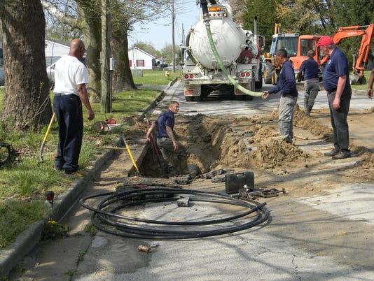 636276951018041488-Pothole.JPG