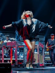 Metric opens for Imagine Dragons at U.S. Airways Center,