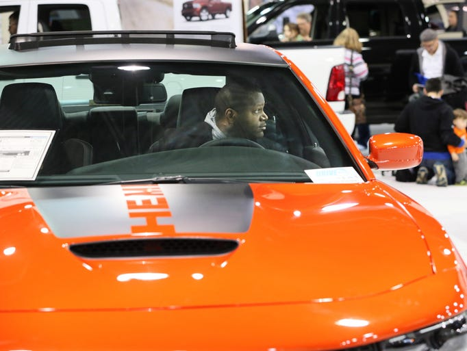 photos milwaukee auto show offers new and used cars. Black Bedroom Furniture Sets. Home Design Ideas