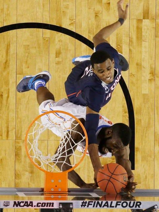 NCAA UConn Florida Fi_Buit.jpg