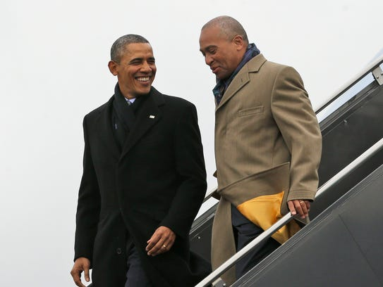 President Obama arrives on Air Force One at Boston