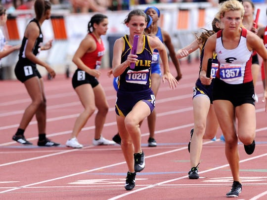 Wylie's Abbey Henson takes the baton for the third leg of the Class 4A girls mile relay at the UIL State Track and Field Championships at the University of Texas' Mike A. Myers Stadium in Austin on Saturday, May 12, 2018. The Lady Bulldogs won bronze with a time of 3:58.20.