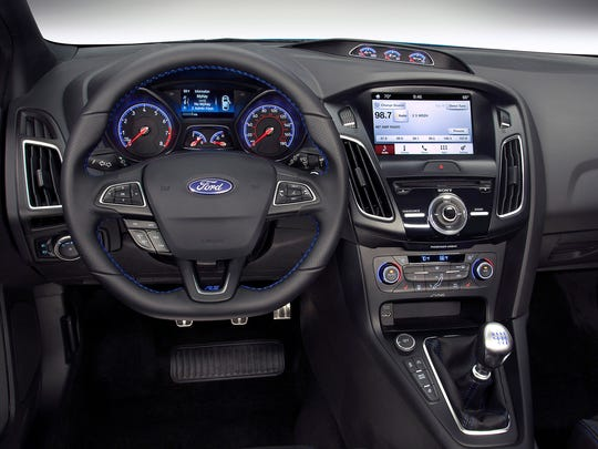 A look at the dash of the 2016 Ford Focus RS.