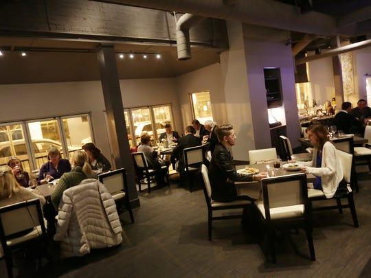 Bistro 82 restaurant in Royal Oak