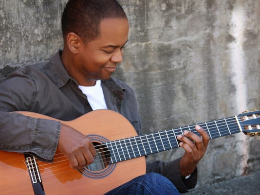 635784540937318273-ENT-4-Earl-Klugh---Photo-by-Tanner-Photography