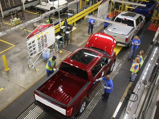 2015-F-150-production-at-Dearborn-Truck Plant