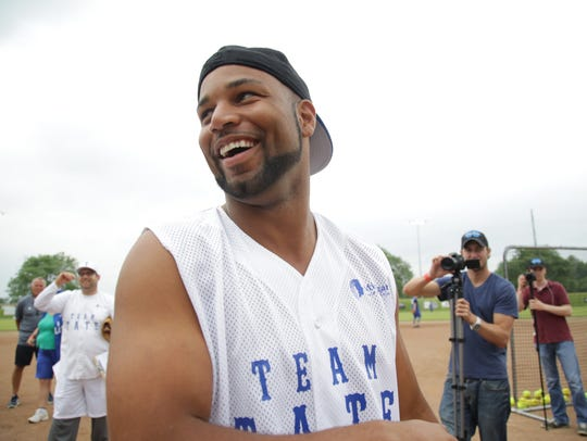 Detroit Lions receiver Golden Tate, pictured, and Linebacker