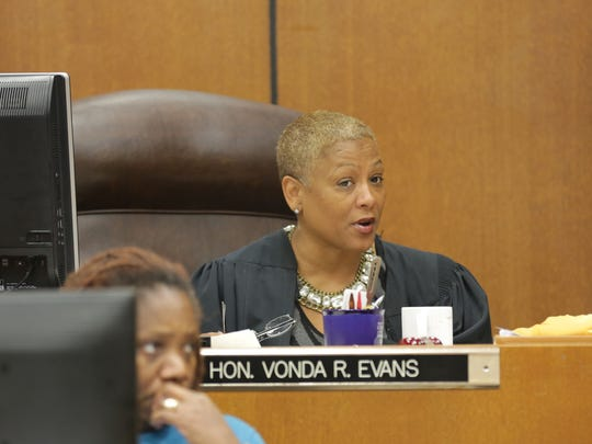 Wayne County Circuit Judge Vonda Evans addresses the  court after the jury sent a note during deliberations of the William Melendez trial Thursday, Nov. 19, 2015.