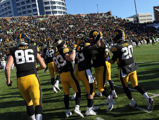635837290786187811-IOW-1121-Iowa-fb-vs-Purdue-34.jpg