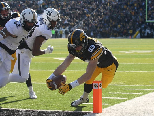 635865712520471125-IOW-1121-Iowa-fb-vs-Purdue-16.JPG