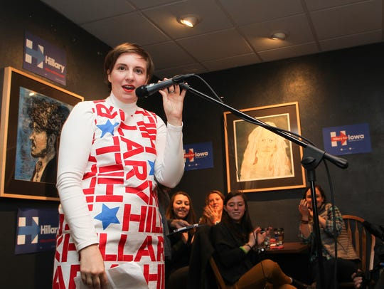 Lena Dunham speaks to a crowd at Java House as she
