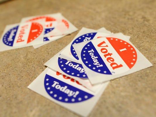 635888405505763183-IOW-0119-County-sups-voting-02.jpg
