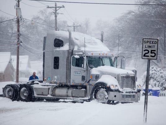 635891592025080112-Big-Snowstorm-Kentuck-Jenk.jpg