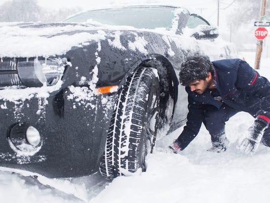 635891657565000237-Big-Snowstorm-Kentuck-Jenk-1-.jpg