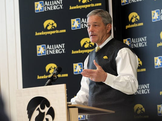 635901255885308117-IOW-0203-National-Signing-Day-03.jpg