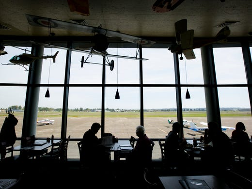Dining Review Popular Spot Has Plane Side View