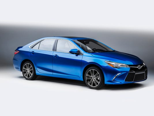2016-Toyota-Camry-Special-Edition-3.jpg