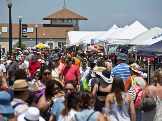 Bradley Beach lined with people and food vendors at the Bradley Beach 2016 LobsterFest.