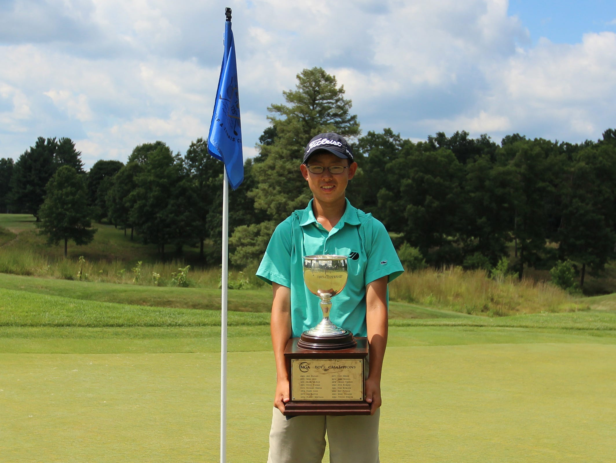 Nathan Han became the first player in 30 years to post back-to-back wins in the MGA/MetLife Boys Championship at Bedford Golf and Tennis.
