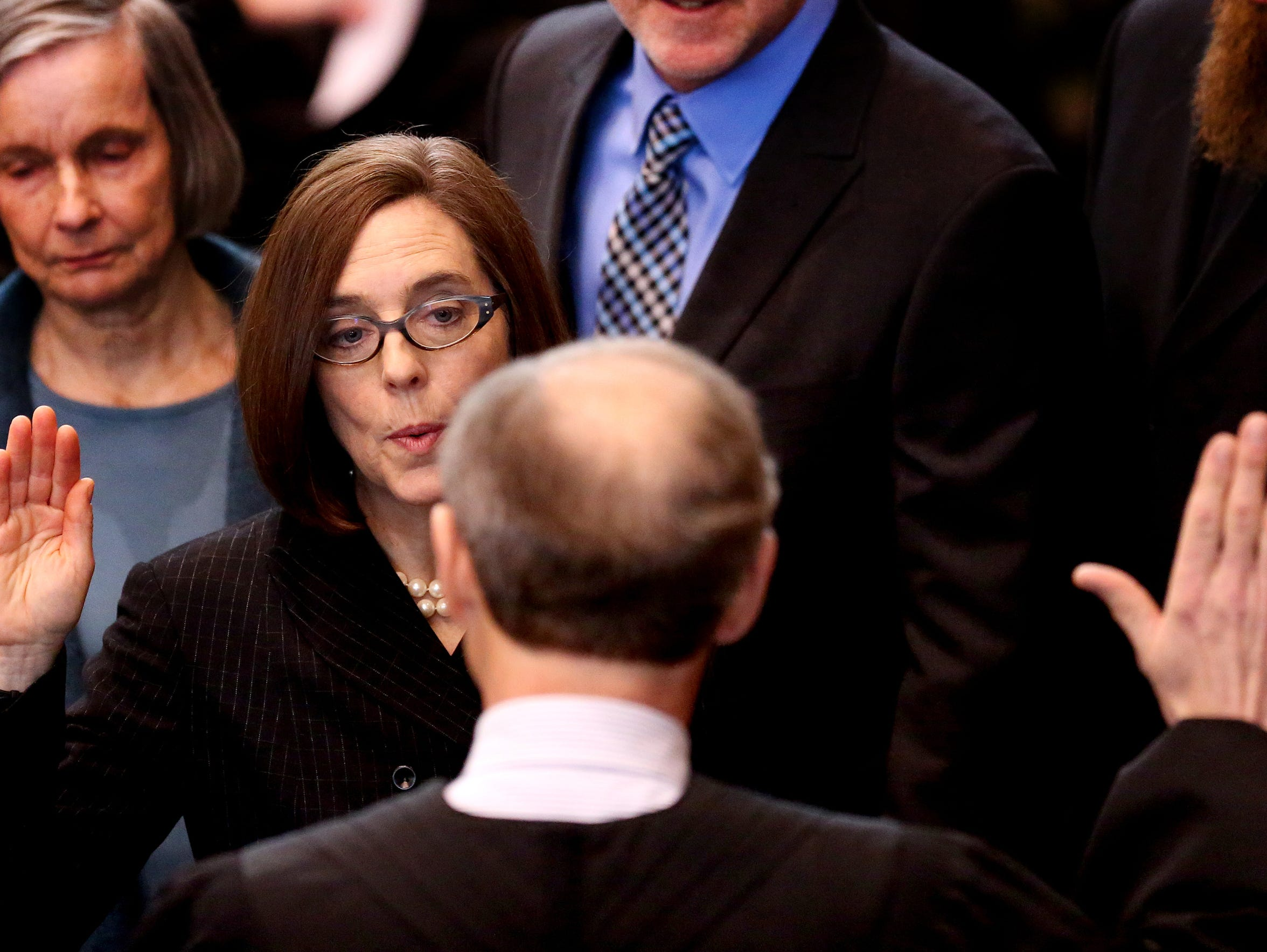 Kate Brown being sworn in as the 38th Oregon governor