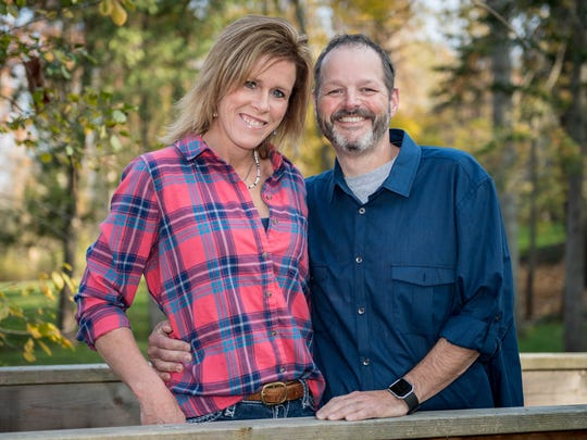Phil O'Reilly and Jessie Schuemann will be getting married at this Saturday's Christmas parade on a float.