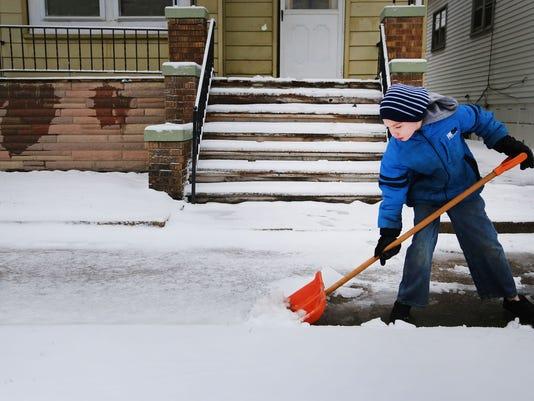 636162995618931674-SNOW.jpg