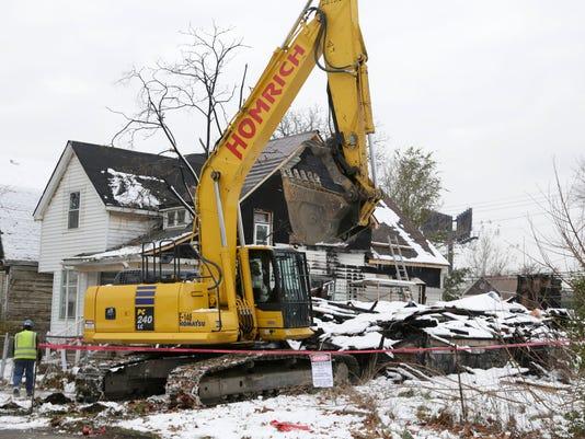 636202467439033127-demolition-in-1-.JPG