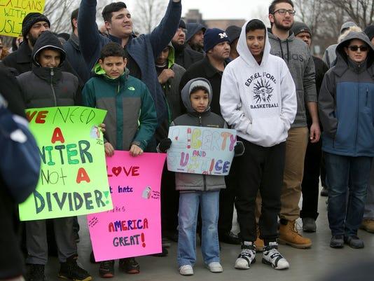 636212996173951280-Dearborn-Protest-EC08.jpg