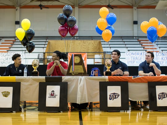 Refugio's Robert Ortiz signs with Tyler Junior College, Jaylon Mascorro signs with New Mexico State, Trace Mascorro signs with UTEP and Kobie Herring signs with UTEP during signing day on Wednesday, Feb. 1, 2017.